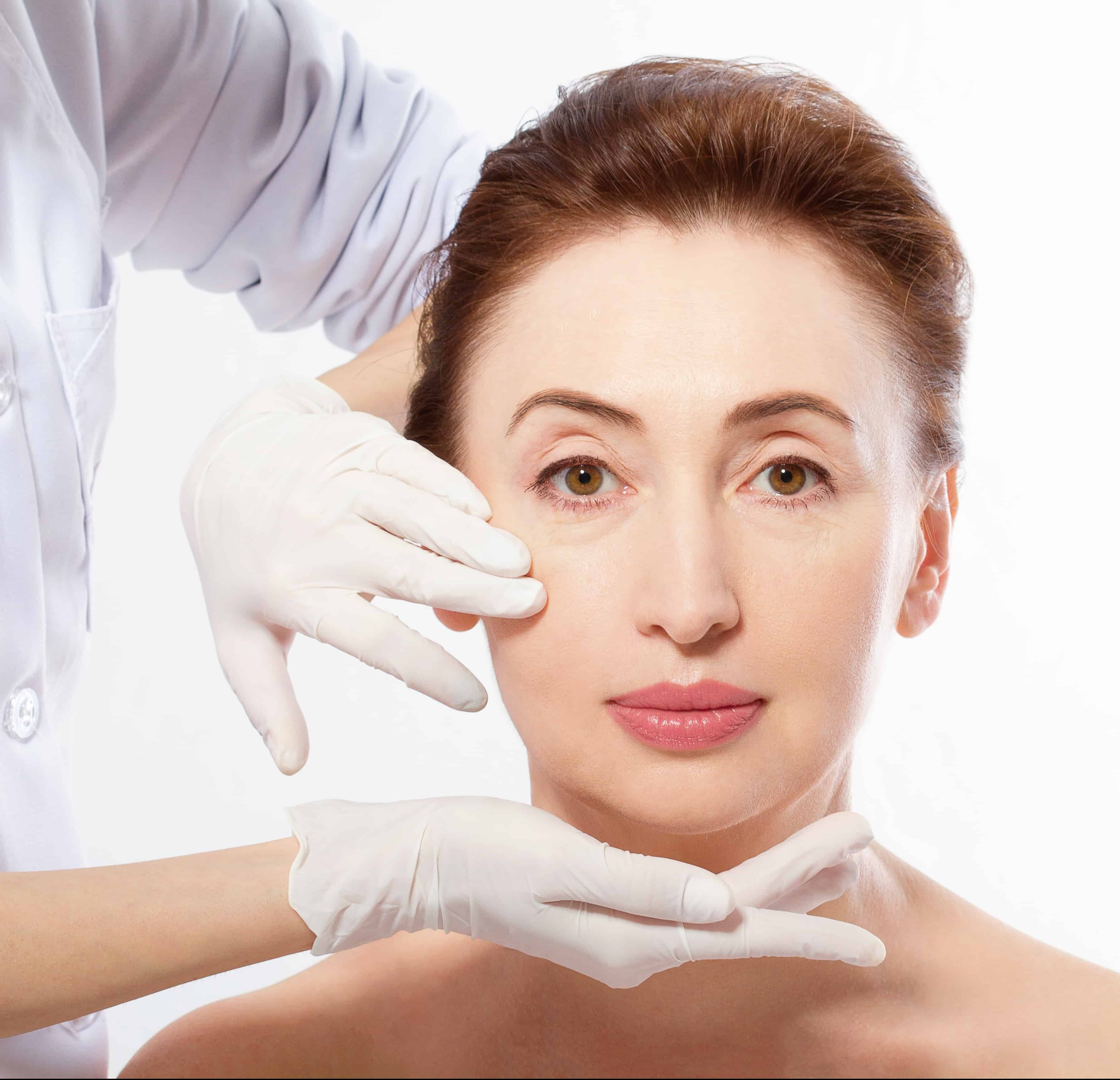 Do the health benefits of plastic surgery outweigh the risks? 1